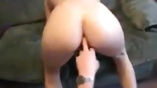 Daughters still horny when daddy comes home !