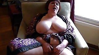 Mature massive tits with pierced nipples masturbates hard