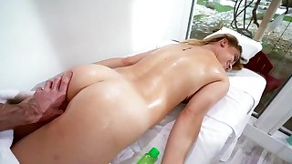 Sensual massage with sex for blonde Sierra Nicole