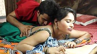 Dehati Bhabhi Making Romance With Naukar - Hottest Show