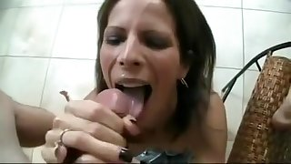 Best Amateur movie with Cumshot, Handjob scenes